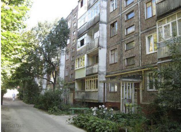 Продам 2-х комнатную квартиру по ул. Защитников Украины 5