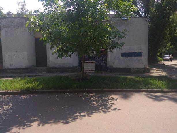 ХОЗЯИН! Беляева 3, возле 8-мой школы, под ремонт, 32 м.кв., 8.5 тыс. $