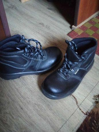 Меняю ботинки