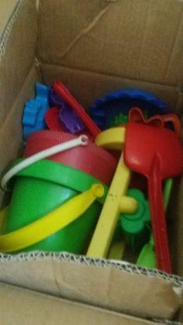 Brinquedos infantis – Peluches; brinquedos de praia