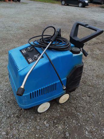Myjka ciśnieniowa na pompie korbowodowej z podgrzewaniem wody