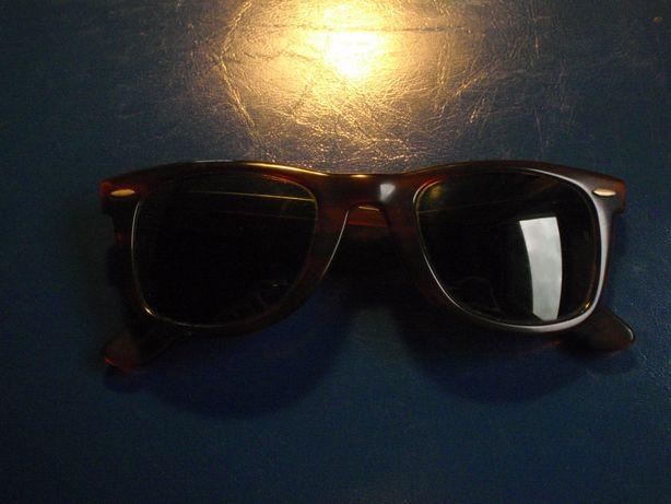 Óculos de Sol Ray-Ban - Bausch & Lomb. USA Wayfarer