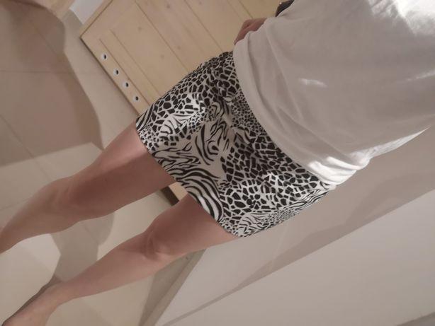 Mini spódnica w cętki