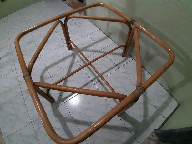 Vendo estrutura de mesa de bambu a muito bom preço