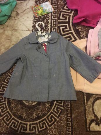 Плащик куртка легка Zara