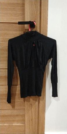 Sprzedam czarną sexowną bluzkę