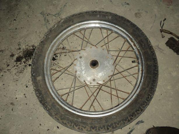 колесо с отличной резиной минск