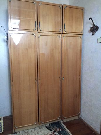 Шкаф плательный с антресолями