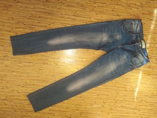 Легкие мужские джинсы
