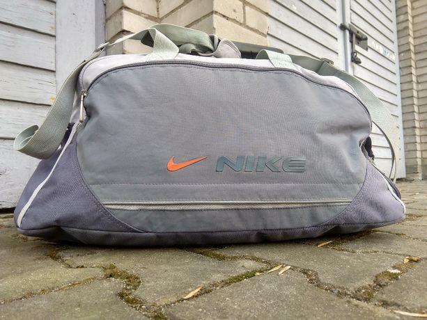 Torba sportowa treningowa duża na ramię Nike L/XL 45-48L PRO Utility