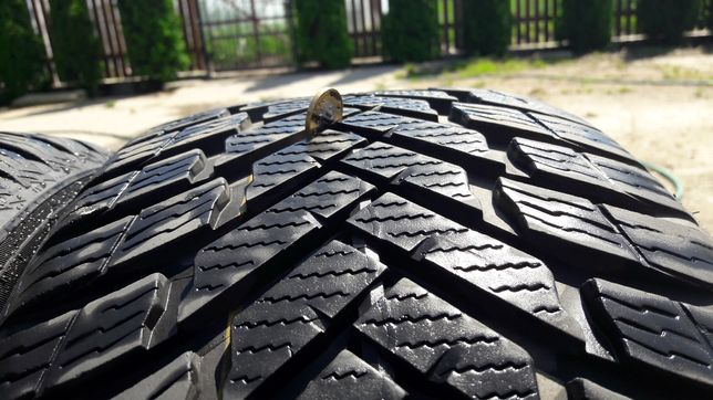 NOKIAN WeatherProof 225/45/17 94V XL 7.3 mm 4718r Super Stan