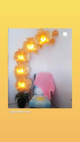 lâmpada de chão orquídea