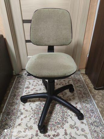 Продам стул для школьника
