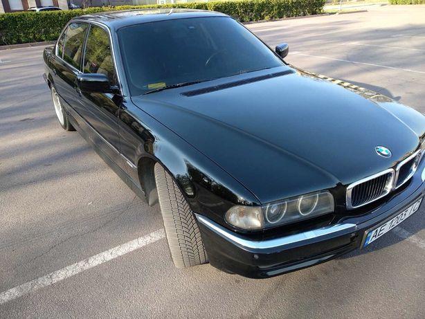 Продам BMW 750IL 5.4 l