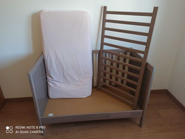 Berço Ikea Sundvik com colchão