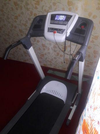 Профессиональная беговая дорожка MaxxPro IRMT1004D Олимпикс