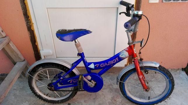 Дитячий велосипед Салют
