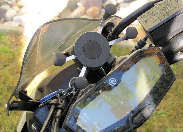 Uchwyt do telefonu z ładowarką USB Yamaha MT07