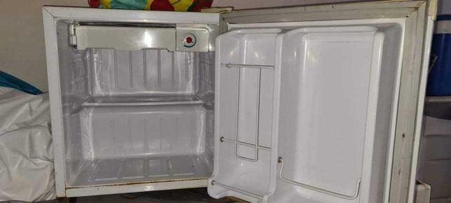 Mini bar/frigorífico