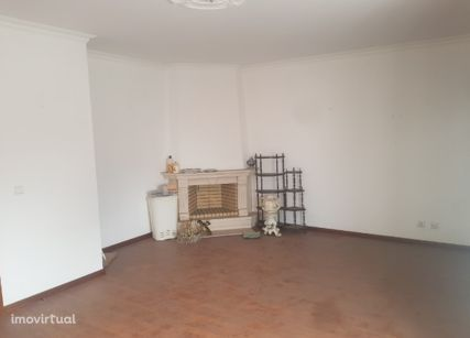 Apartamento em Amadora, Brandoa
