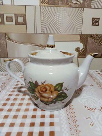 Фарфоровый чайничек времён СССР