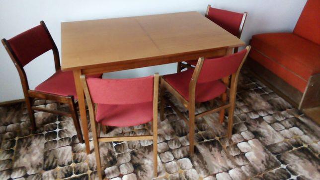 Stół rozkładany i 4 krzesła PRL