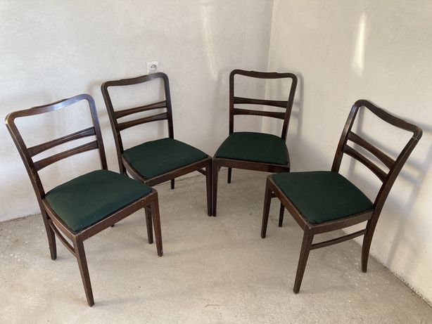 Krzesła gięte retro.