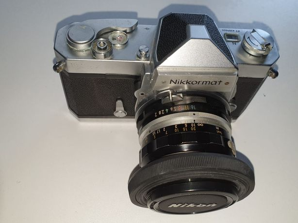 Máquina fotográfica Nikkormat, clássica rolo