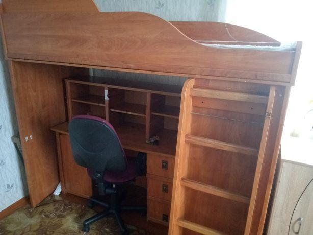 """Модульна система """"Валенсия"""" :кровать-горка, стол, надставка ,комод."""