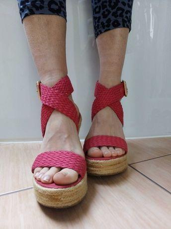 Czerwone sandały na koturnie rozmiar 37bji