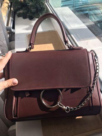 Женская сумка с кольцом и цепью цвет бордо