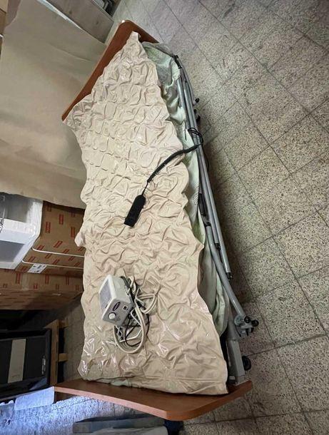 Cama articulada c/comando + barras laterais + colchão anti-escaras