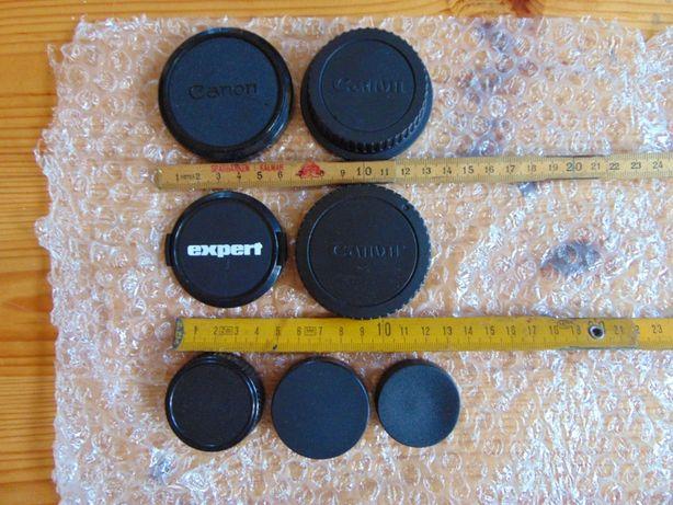 Kolekcja aparatów kompaktowych.