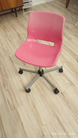 Krzesło obrotowe różowe