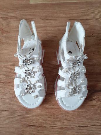 Sandalki letnie na dziewczynkę
