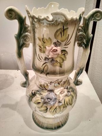 Продам вазу для интерьера