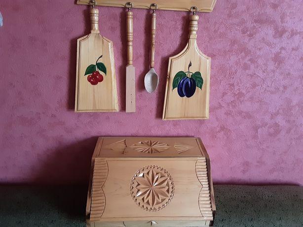 Кухонный набор из натур.дерева.Все изделия - резные,ручной работы.