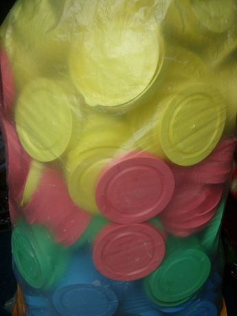 Крышки пластиковые для банок