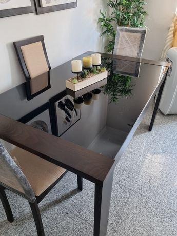 Mesa  extensivel de sala de jantar com vidro temperado