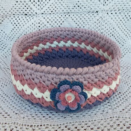 Koszyczek robiony na szydełku z przędzy bawełnianej Spagetti .handmade