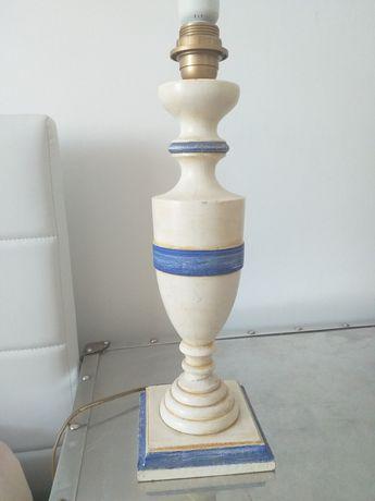 Candeeiro de mesa em madeira
