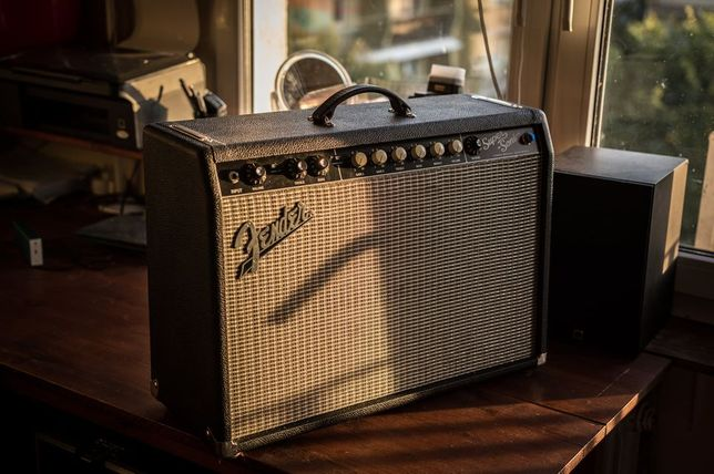 Fender Super Sonic 22 + footswitch
