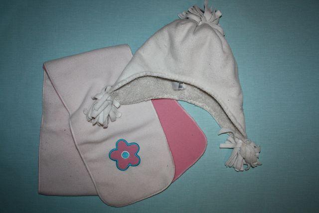 Шапка+шарф Очаровательный комплект зимний ф.Gap ребенка 4/5лет,отличн