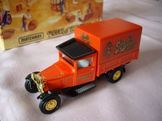 Matchbox Yesteryear FORD AA DELIVERY Van 'STROH'S'