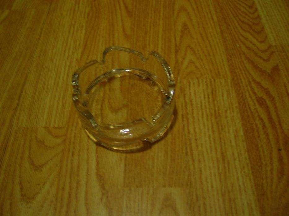 Cinzeiros em vidro Amora - imagem 1