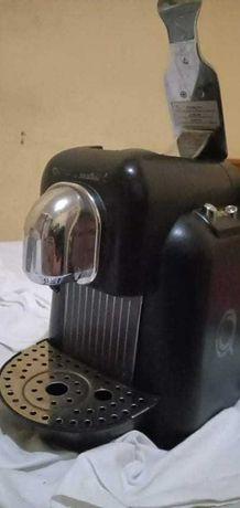 Maquina de cafe delta