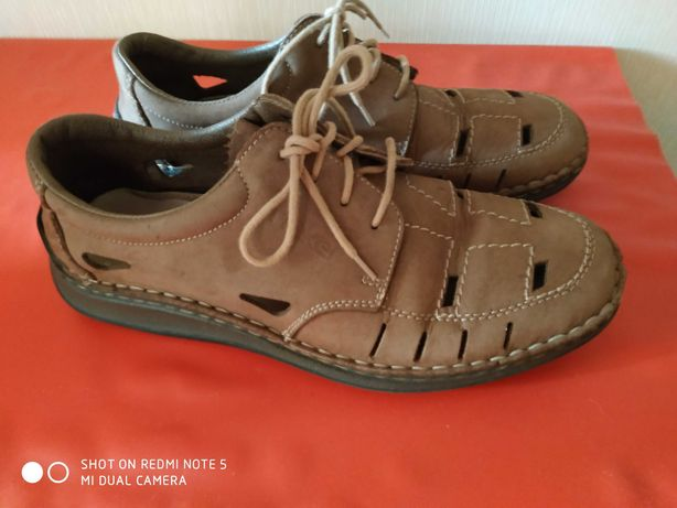 Продам туфли подростковые для мальчика,р.40,б/у