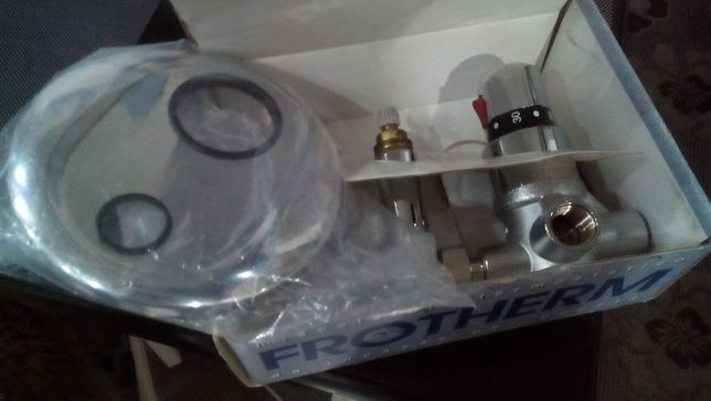 итальянский термо-смеситель FROTHERM (встраиваемый, душ) с термостато