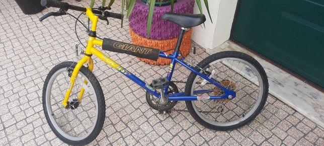 Bicicleta Giant com mudanças