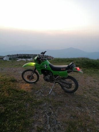 Kawasaki klr 600 надійний японський мотоцикл. В дуже доброму стані...